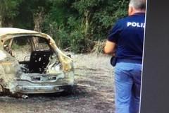 """Auto rubata a Barletta nelle """"grinfie"""" di tre ladri"""