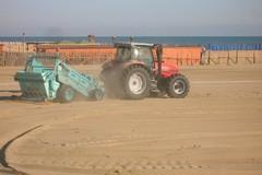 Isole ecologiche, pulizia meccanizzata e manuale tutti i giorni sulla litoranea di Barletta