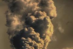 Barletta invasa da fumo e puzza, due incendi tra Ariscianne e Salinelle