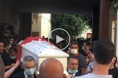 Barletta in lutto: l'ultimo saluto a Giovanni, Michele e Pasquale