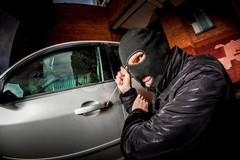 Tentava il furto di un'auto a Barletta, arrestato un 25enne cerignolano