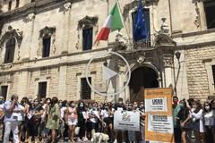 Studenti, genitori e insegnanti in protesta: futuro incerto per Polivalente e Garrone