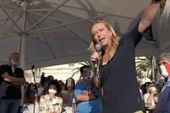 Giorgia Meloni in tour elettorale in Puglia