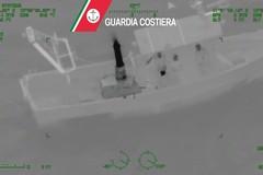 """Pesca a strascico illegale, i """"predoni del mare"""" beccati anche a Barletta"""