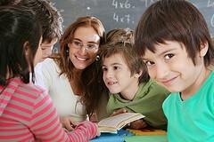 Arredi scolastici sponsorizzati: la voce di chi la scuola la 'vive'