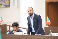 Consiglio comunale di Barletta alla deriva, «questa è apologia del fascismo»