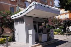 «In via Canosa il distributore di benzina è inclinato, può crollare»