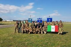 Paracadutisti di Barletta impegnati in volo a Gaudiano di Lavello