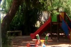 Giardini di viale Manzoni in stato di abbandono e degrado