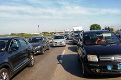 Traffico ostruito sulla SS16bis, Barletta di nuovo bloccata