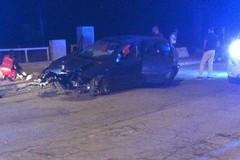 Perde il controllo dell'auto in piena notte, incidente sulla litoranea di Ponente