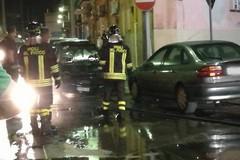 Incendio in via Montegrappa, danni ad un'automobile pargheggiata