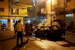 Esplode un'auto in via Risorgimento, paura alla festa di Sant'Antonio