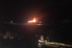 Fiamme in zona Barberini, incendio nei pressi della SS16bis
