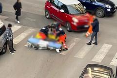 Incidente in via Alvisi, soccorso un ragazzo alla guida di un monopattino