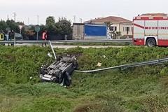 Fuori strada sulla SS16bis, incidente all'uscita Barletta centro