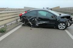 Lunghe code sulla SS16bis a Barletta, tre auto coinvolte nell'incidente