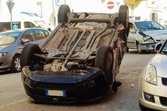 Quattro feriti nei pressi della San Domenico Savio, un'auto ribaltata