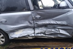 Scontro tra due auto in via Minervino: sequestrato un veicolo