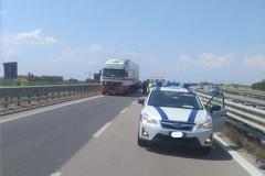Camion in panne sulla SS16bis, traffico deviato a Barletta ovest