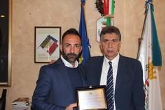 Il sindaco Cannito premia il pizzaiolo barlettano Francesco Barbaro