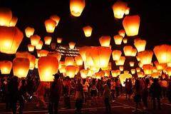 No ai botti, dall'oriente a Barletta arrivano le lanterne di carta