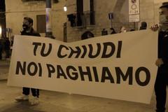 Il virus e la crisi, anche Barletta in piazza