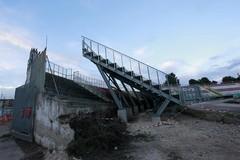 """Stadio """"Puttilli"""" di Barletta, al via la demolizione delle tribune"""