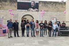 """""""Prevenire è vivere"""": Barletta si dipinge di rosa"""
