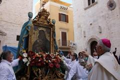 Assembramento a Barletta, M5S Puglia: «Intervenga il Prefetto»