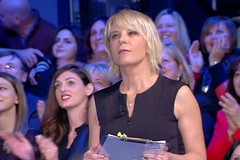 """Avvistate telecamere di """"C'è posta per te"""", Barletta attende Maria de Filippi"""