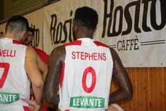 Stephens trascina la Cestistica Barletta, contro Brindisi finisce 59-79