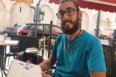 Micheal fa tappa a Barletta: da aprile percorre a piedi l'Italia