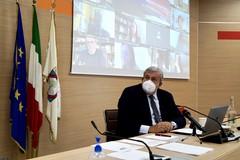 L'annuncio del presidente Emiliano: «Chiudiamo le scuole in Puglia»