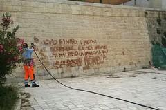 Vandalismo in via Mura San Cataldo, tutto torna pulito