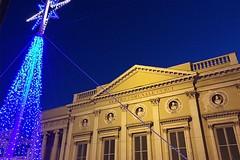 A Barletta 35mila euro per le luminarie natalizie, ma altri Comuni erogano buoni spesa