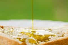 Extravergine di Puglia a rischio, boom di olio d'oliva dalla Tunisia