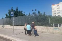 Una pensilina per la fermata degli autobus all'ospedale di Barletta