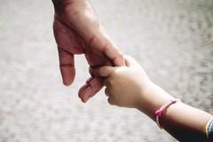 L'informazione, il dolore, il rispetto: il saluto di una figlia al padre