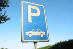 Parcheggiatori abusivi, e nessuno fa niente