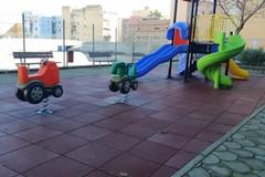 Parco gioco di via Chieffi, l'assessore Ricatti: «Ultimata la sistemazione»