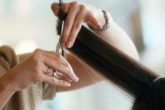 Parrucchieri e barbieri,«perché mettere in ginocchio tanti professionisti?»