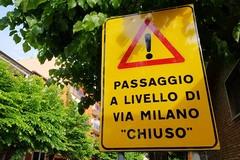 Dialoghi su via Milano, una crisi economica colpisce i negozianti