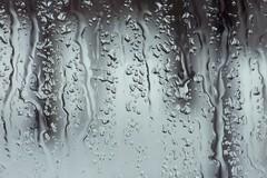 Grandine e pioggia forte, ondata di brusco maltempo su Barletta