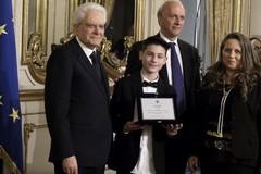 Il presidente Mattarella premia uno studente di Barletta