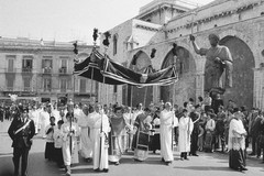 Barletta e il Santo Sepolcro: perché l'Arcivescovo di Trani è chiamato Arcivescovo di Trani e Nazareth