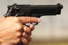 Si inceppa la pistola durante la rapina, tragedia sfiorata a Barletta