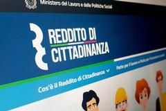 Reddito di cittadinanza: vietati giochi, gioielli e acquisti online
