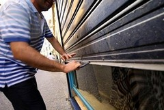 Covid-19 e crisi economica, a Barletta le categorie più colpite scendono in piazza