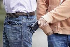 Ritira la pensione in banca, un anziano viene derubato a Barletta